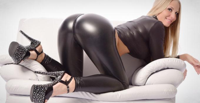 Lara-CumKitten Sexcam